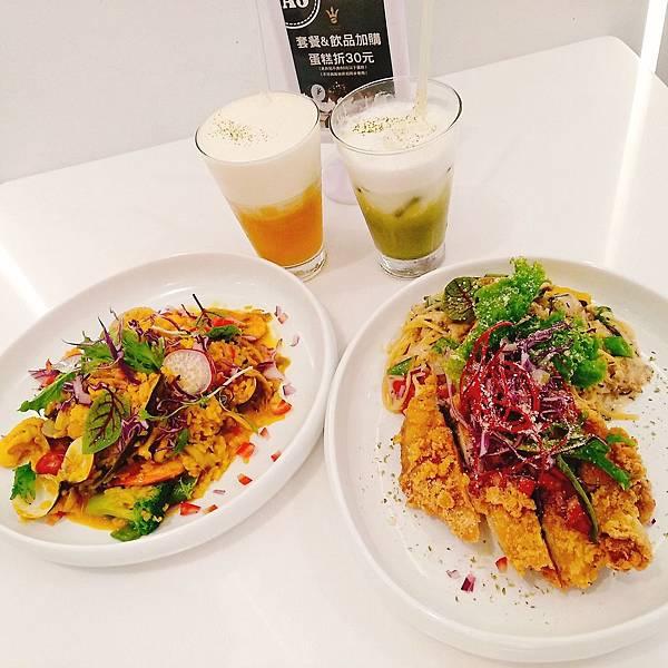 【食記】高雄鳳山|可占卜的浪漫純白咖啡廳-《金茂宜咖啡》