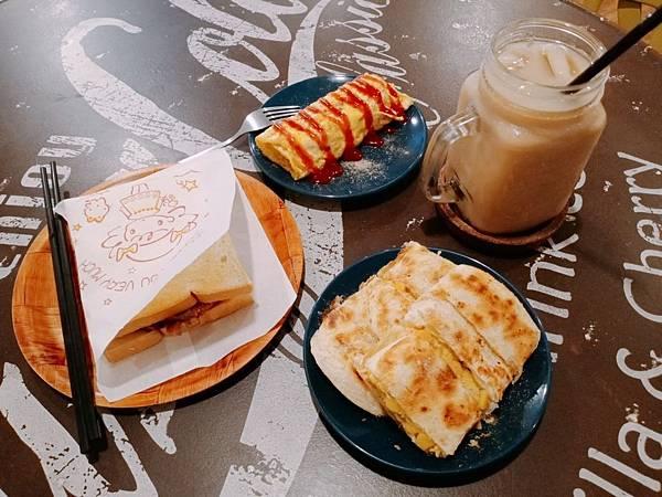 【食記】屏東市區|鄰近火車站的銅板價精緻美食-《吐司房錢》